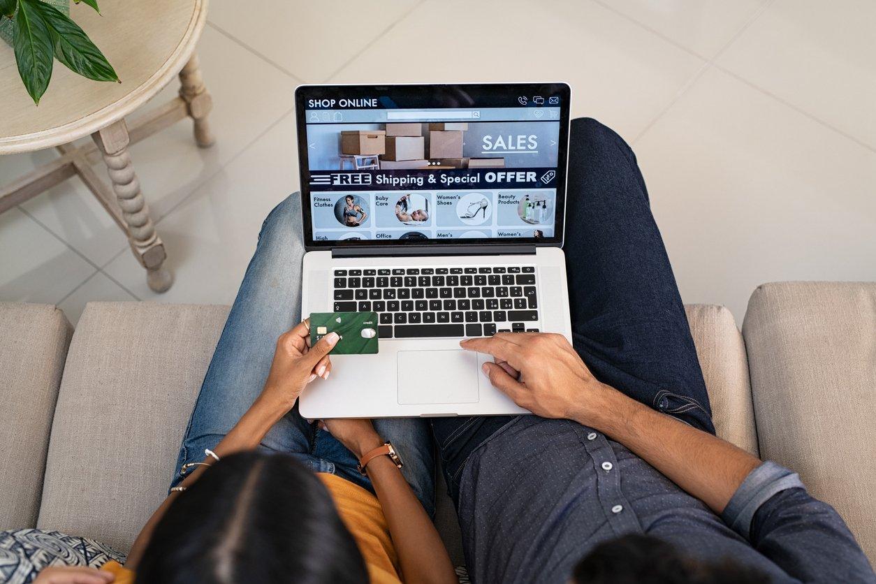 customer navigating website